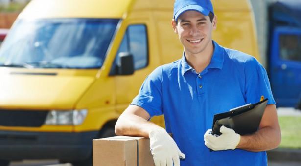 Cómo-conocer-el-coste-de-envío-de-un-paquete-por-Correos-1024x683-615x340